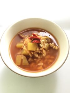 サツマイモを加えた茶粥